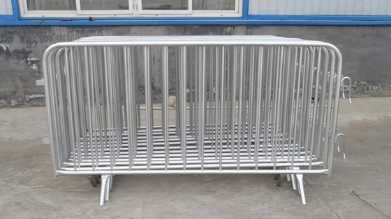 Crowd Control Barriers Removable Available Powder Painted, Hot Dipped Galvanized, Pre-Galvanized OD 32mm outer frame tub supplier