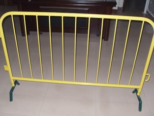 portable road barrier/road safety barrier/crowd control barriers supplier