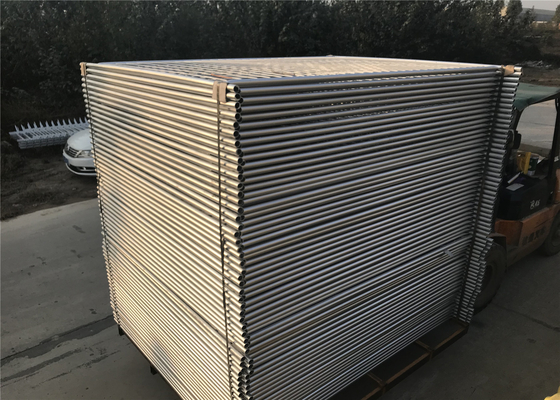 14 microns /100gsm pre-gal 3.00mm wire spacing 60mm x 150mm Outer 32mm*1.4mm 2100mm*2400mm light duty temp fence panels supplier