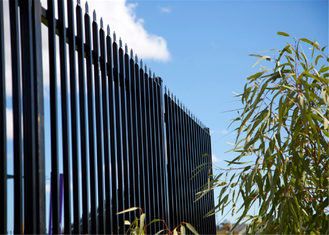 China 2.1m*2.4m Crimped Spear Garrison Tubular Fencing Panels stain Black RAL9001 powder steel fencing panels supplier