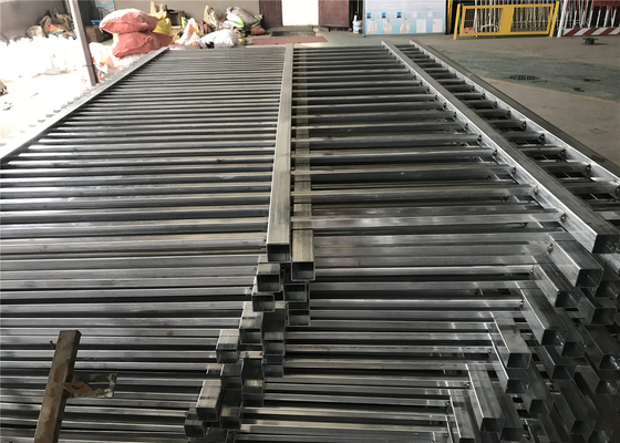 Steel Tubular Steel Fencing Panels 2.1mx2.4m Rail 40mm 45mm wall thick Stain black Interpon Powder Coated supplier