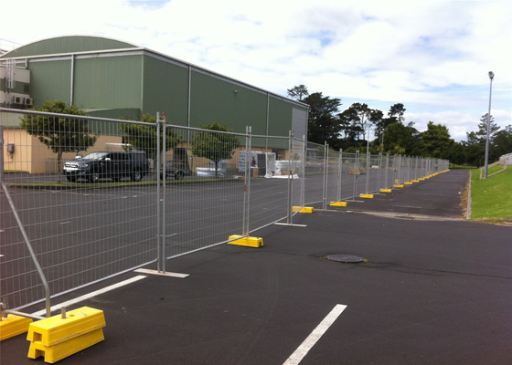 Melbourne Temporary Fencing Panels 2.1mx2.4m OD32mm tube wall thick 2.00mm 42 microns hdg before welding supplier