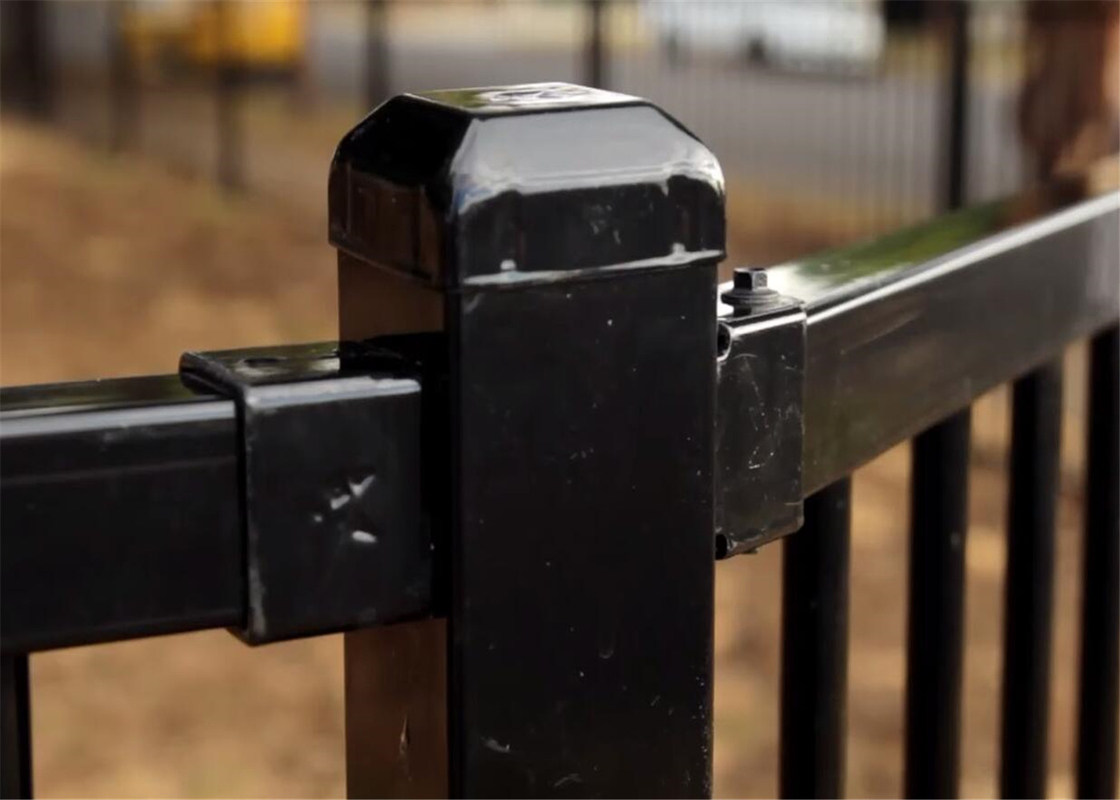 garrison fence price 1800mm x 2400mm just 42.88USD per kit included 1pcs 65mm x 65mm post 4 pcs bracket and screw