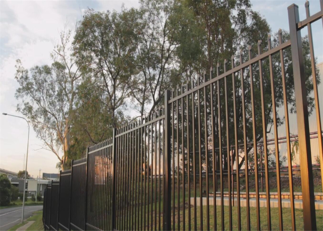 Crimped Security spear top tubular steel fence panel steel fencing panels 2.1mx2.4m 40mm rails supplier