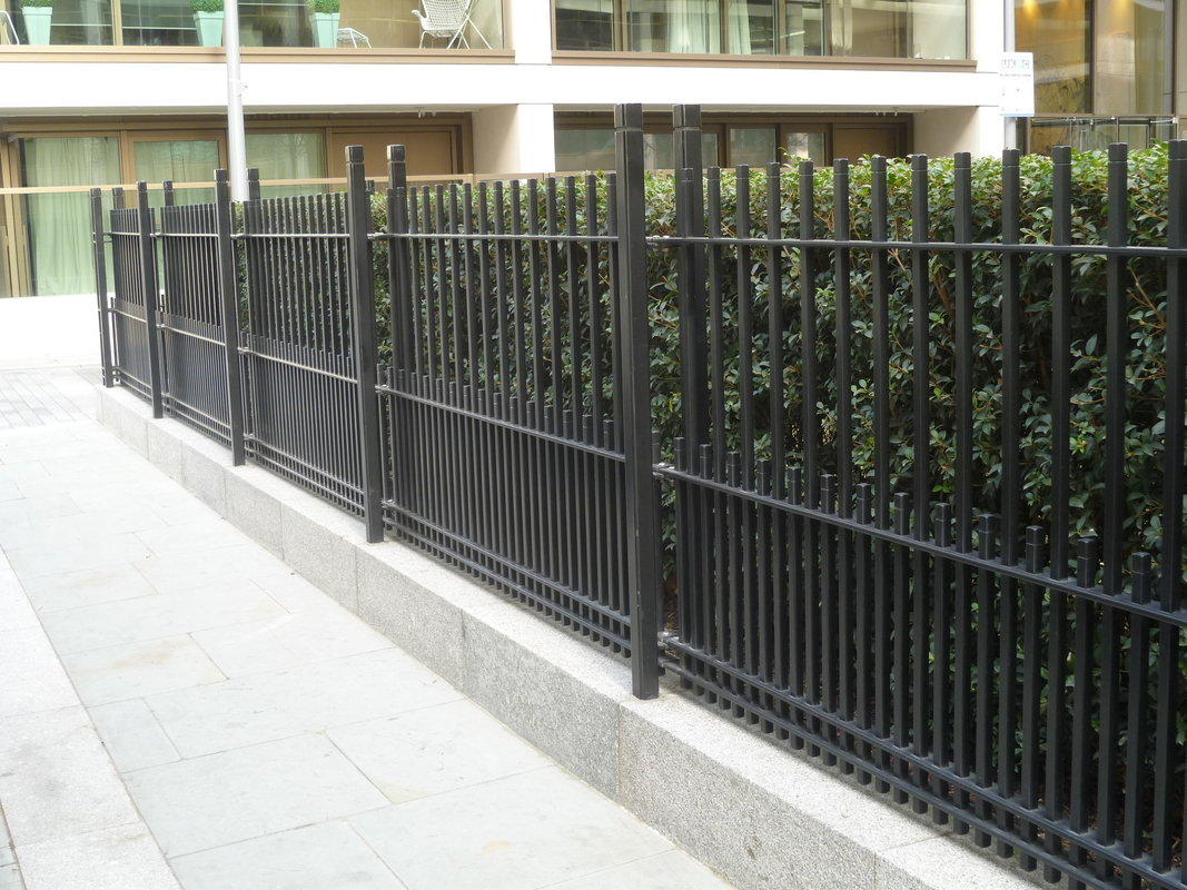 Powder Coated RAL 9001/Black Vertical Bar Fence