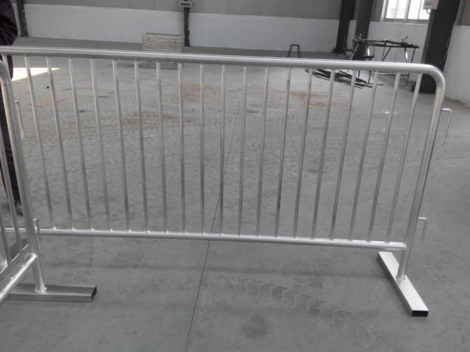 portable road barrier/road safety barrier/crowd control barriers
