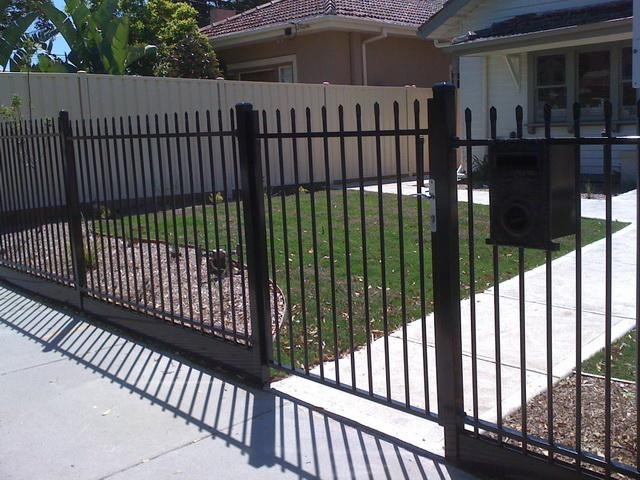 High security steel tubular fence and gate design for yard