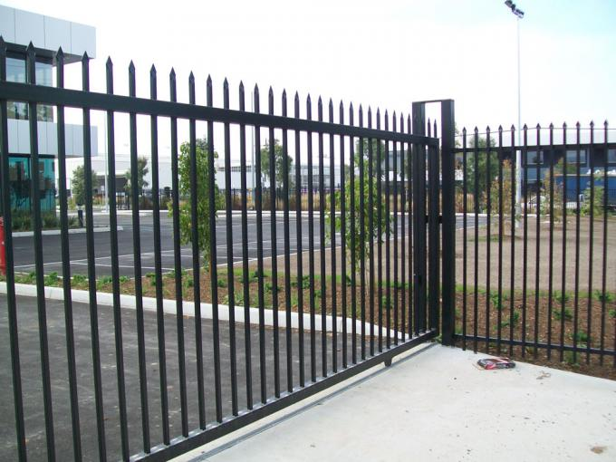 Crimped Security spear top tubular steel fence panel steel fencing panels 2.1mx2.4m 40mm rails