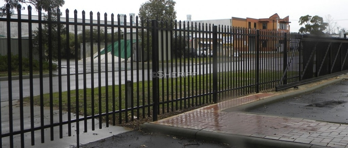Steel Spear Top Fencing garrison fence 1.8m*2.35m rail 45mm*45mm or 40mm*40mm available 4 rails HDG then coated powder
