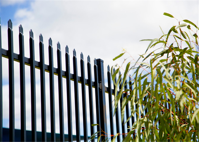 2 rails Crimped Spear Garrison Steel Fencing Panels 2.1m*2.4m Rails SHS50mm*1.5mm upright 25mm Spacing 100mm