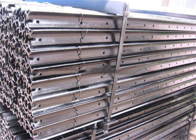 Hot dipped Galvanized and bituman coated Star picket for Cattle Fencing Y post 2.04kg per meter