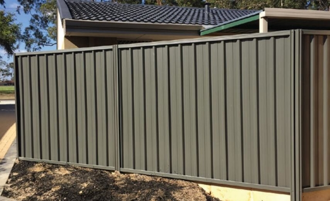 1.8m high x 2.37m wide colorbond steel fencing panels